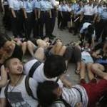 Στους δρόμους οι φοιτητές του Χονγκ Κονγκ