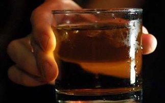 Χειρότερο hangover φέρνει το ουίσκι από τη βότκα