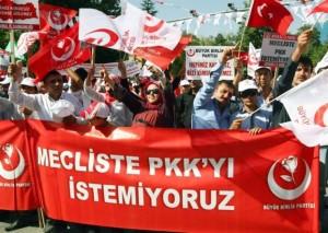 Η βία αναζωπυρώνει το κουρδικό στην Τουρκία