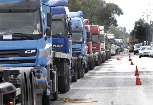 Σε απεργία διαρκείας οι ιδιοκτήτες φορτηγών από 10 Δεκεμβρίου