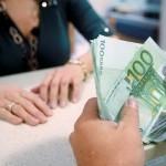 Μειώσεις μισθών σχεδιάζει το 36% των ελληνικών επιχειρήσεων