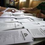 Μνημόνιο και σενάρια εξόδου στην τελευταία μέρα της προεκλογικής περιόδου