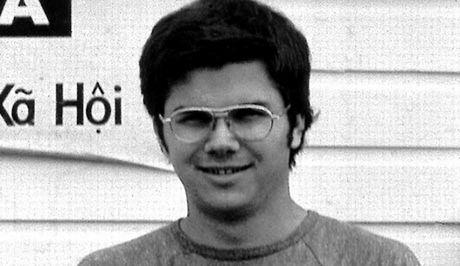 Αποφυλάκιση διεκδικεί ο δολοφόνος του Τζον Λένον