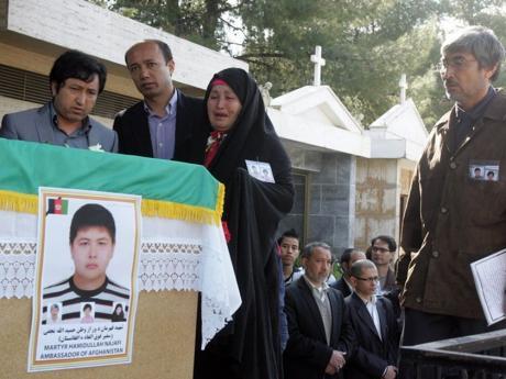 Προς το «αρχείο αγνώστων δραστών» η έκρηξη που σκότωσε τον 15χρονο Αφγανό