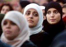 Οι γυναίκες της Σαουδικής Αραβίας από σήμερα στο τιμόνι