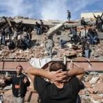Εκατοντάδες οι νεκροί από το φονικό σεισμό στην Τουρκία